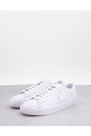Nike Blazer Low trainers in triple white