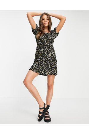 JDY Milk maid mini dress in black daisy print