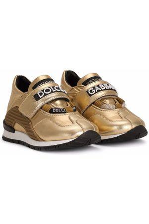 Dolce & Gabbana Tenis con logo en las correas