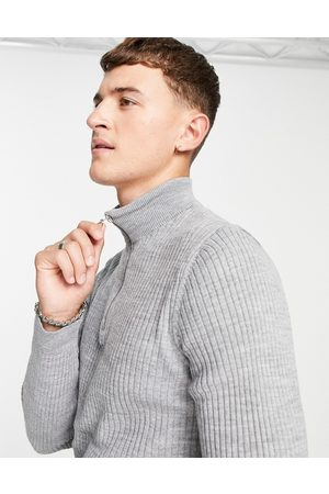 New Look Muscle fit knitted jumper in grey