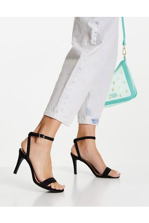 New Look Strappy heeled shoe in black