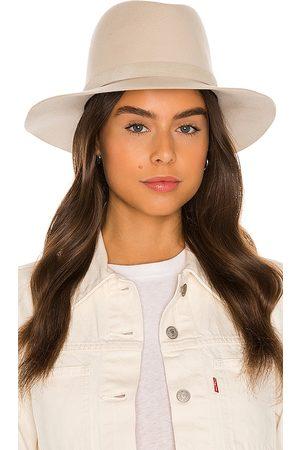 Janessa Leone Sombrero corinne en color neutral talla L en - Neutral. Talla L (también en M, S).