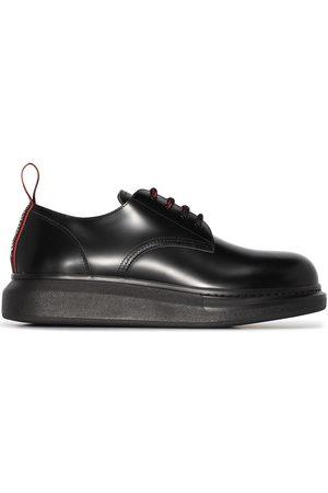 Alexander McQueen Zapatos derby con agujetas
