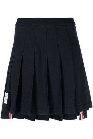 Thom Browne Mujer Minifaldas - Falda corta con parche del logo