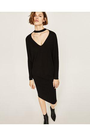 Mujer Collares - Zara JERSEY CHOKER ESCOTE PICO - Disponible en más colores