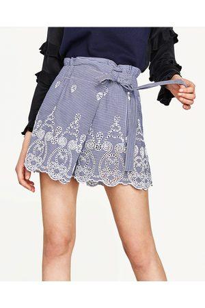 Mujer Shorts - Zara SHORT TROQUELADO