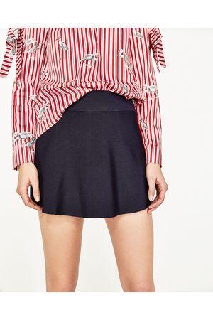 Mujer Faldas - Zara FALDA SHORT RIBETE - Disponible en más colores