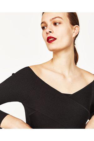 Mujer Zara JERSEY CROPPED DRAPEADO - Disponible en más colores