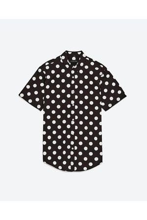 620b5cdd0842c Camisas Y Blusas de hombre Zara negras ¡Compara ahora y compra al mejor  precio!
